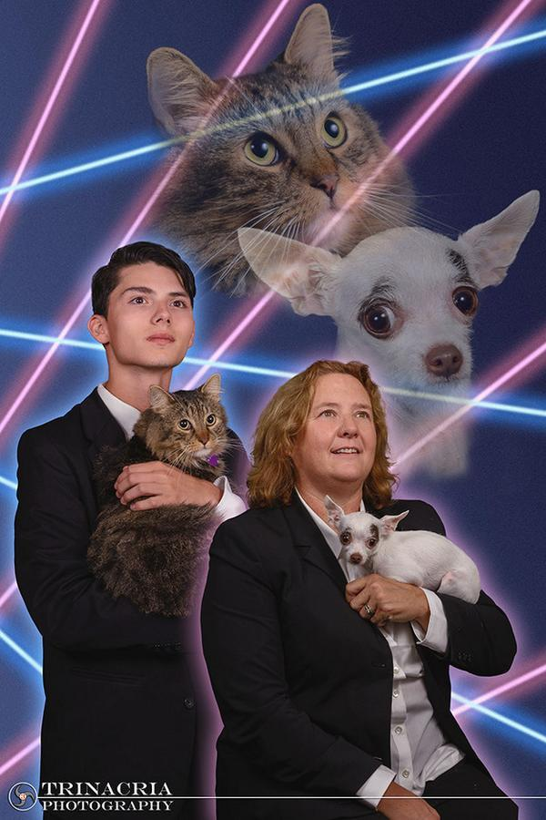 Teen who wanted his cat in his yearbook is joined by principal for the most amazing photo ever -   Misc