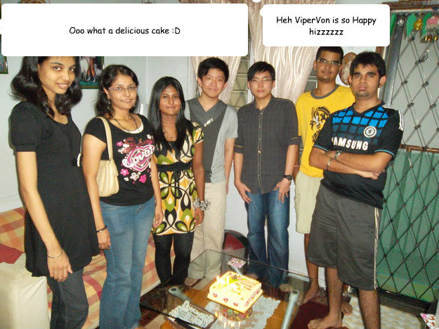 Heh ViperVon is so Happy hizzzzzz Ooo what a delicious cake :D  birthday