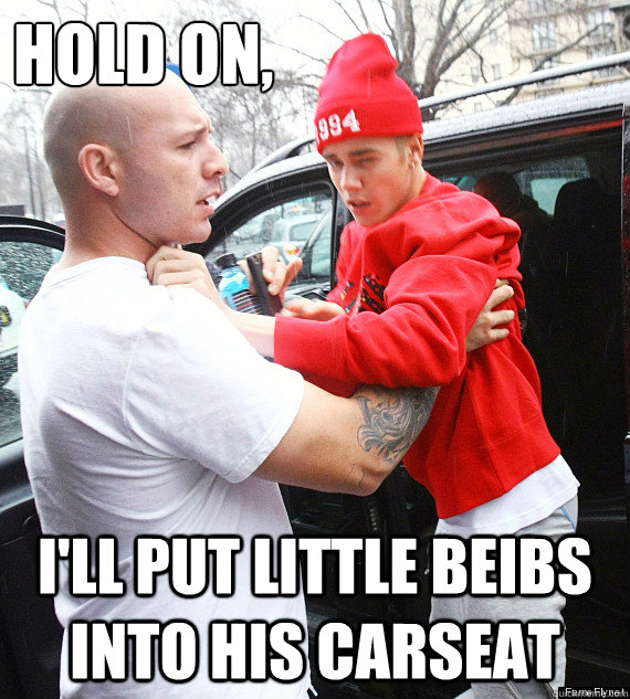 Hold on, I'll put little beibs into his carseat