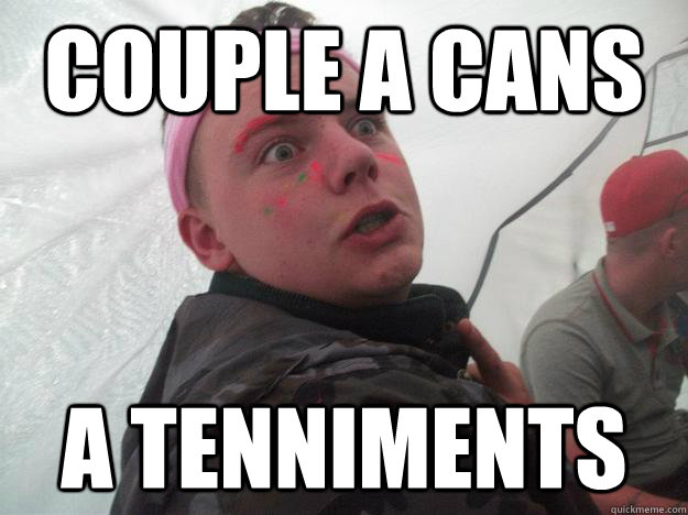 Couple a cans a tenniments